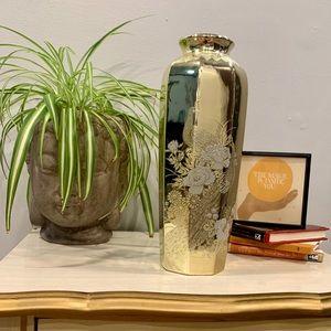 Japanese Interpur Porcelain Vase